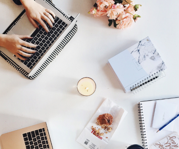 Learn how to set up a Pinterest account the right way for your blog or your business. Also receive a FREE step by step guide to follow